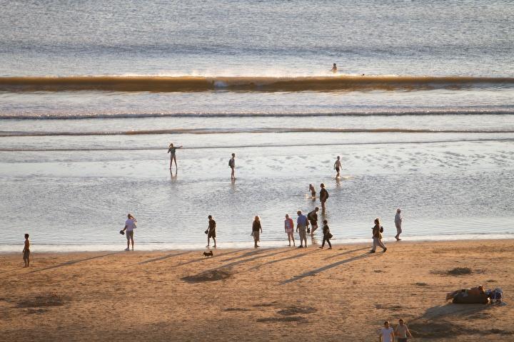 Een strandwandeling maken in Egmond